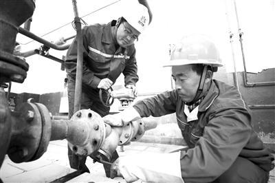 延安石化油泥浮渣泵进口管线改造建议初见成效
