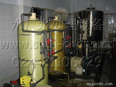 桶装水厂灌装线:桶装纯净水生产线